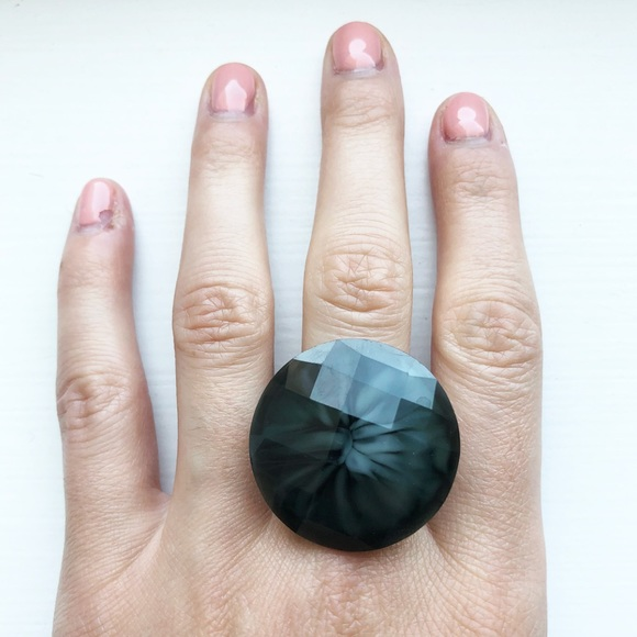 Vintage Jewelry - Stunning black & gray multifaceted crown ring